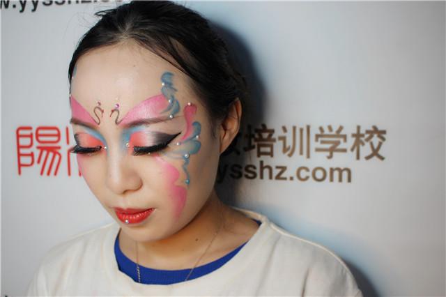 阳洋学校学员创意舞台妆作品